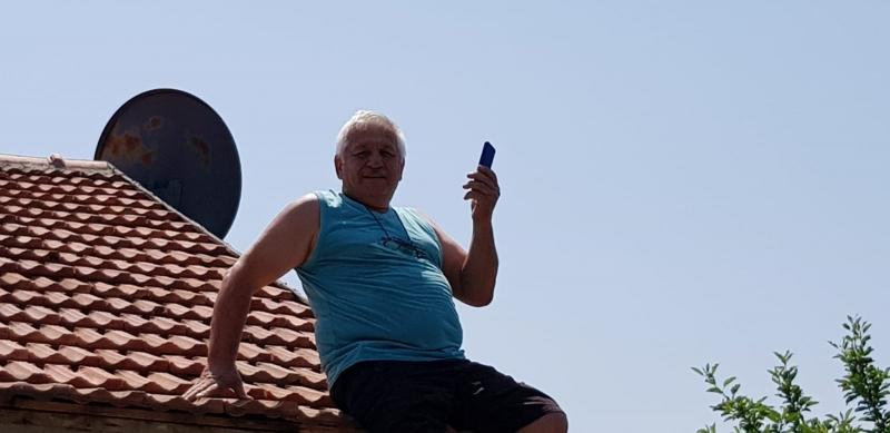 O MAHALLEDE TELEFONLAR ÇEKMİYOR