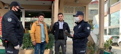 ALAÇAM'DA 20 YAŞ ALTI VE 65 YAŞ ÜSTÜNDEKİLERE POLİS DENETİMİ