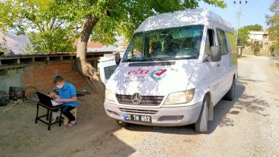 ALAÇAM'DA ÖĞRENCİLERE GEZİCİ 'EBA' DESTEK HİZMETİ