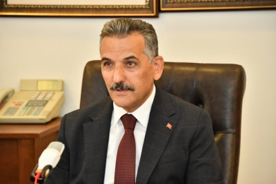 VALİ KAYMAK, İLÇE KAYMAKAMLARI İLE TELEKONFERANSLA TOPLANTI YAPTI